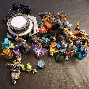 Skylanders Bundle of Figures and Portals